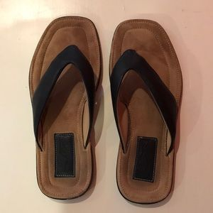 Men's size 10 Ferragamo leather thong sandals